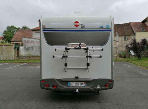 camping-car BURSTNER TRAVEL VAN  intérieur / coin salon