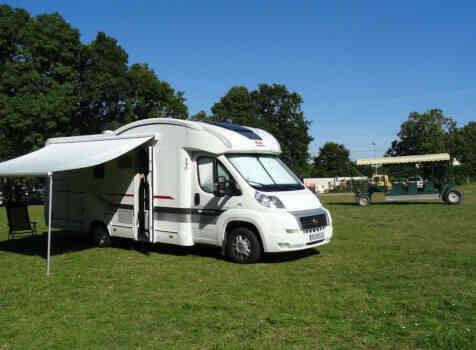camping-car ADRIA MATRIX AXESS M 680 SL  extérieur / arrière