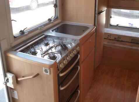 camping-car MC LOUIS TANDY 640MC  intérieur / salle de bain  et wc