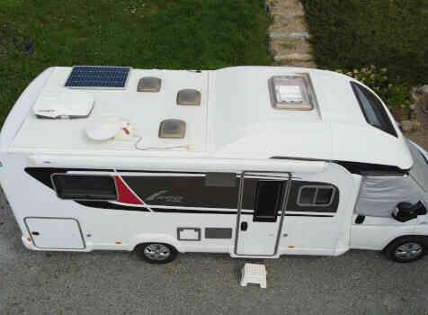 camping-car BURSTNER IXEO TIME IT 734  extérieur / arrière