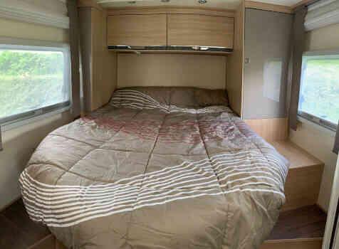 camping-car BURSTNER IXEO TIME IT 734  intérieur / autre couchage
