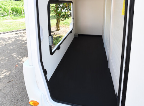 camping-car CHALLENGER GENESIS 396  intérieur / soute