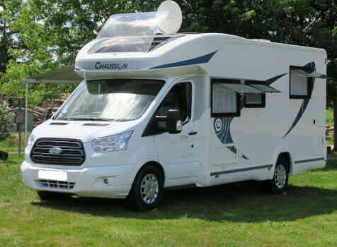 camping-car CHAUSSON CHORUS 628 EB  extérieur / arrière