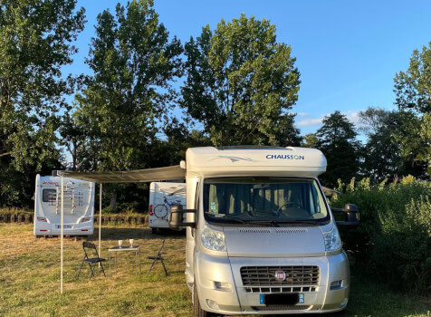 camping-car CHAUSSON ALLEGRO 97  extérieur / latéral gauche