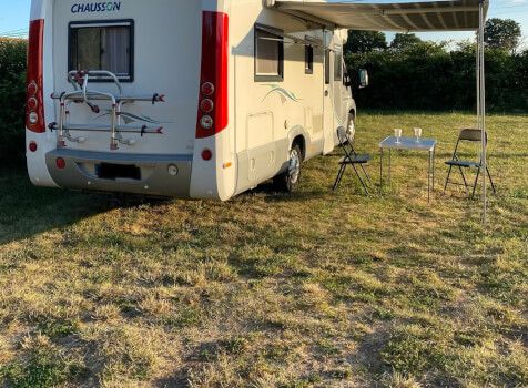 camping-car CHAUSSON ALLEGRO 97  intérieur / coin salon