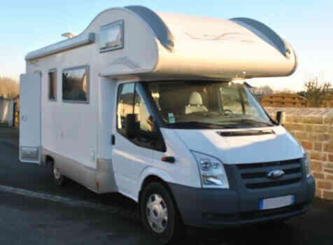 camping-car RIMOR KATAMARANO  extérieur / latéral gauche