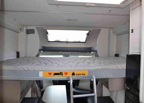 camping-car CHALLENGER MAGEO 367 GA Premium   intérieur / autre couchage