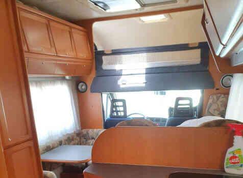 camping-car ADRIA 670 DK  intérieur