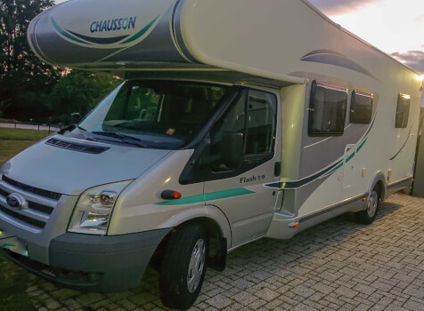 camping-car CHAUSSON FLASH 19  extérieur /