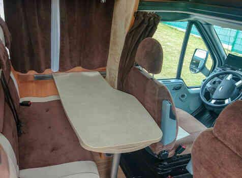 camping-car CHAUSSON FLASH 19  intérieur
