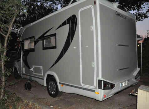 camping-car CHAUSSON TITANIUM 640  extérieur / arrière