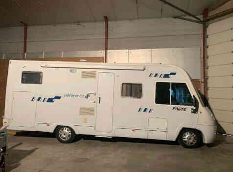 camping-car PILOTE RÉFÉRENCE G 730  extérieur / latéral droit