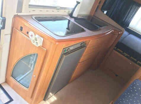 camping-car BENIMAR 6000 ST  intérieur /