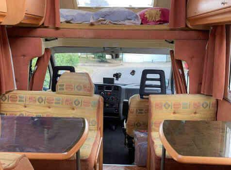 camping-car ELGANH JOXY  intérieur / salle de bain  et wc