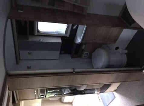camping-car ADRIA MATRIX  intérieur / couchage principal