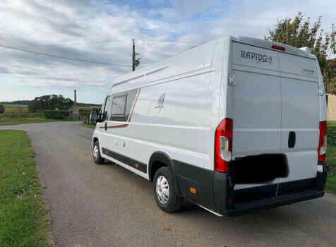 camping-car RAPIDO V62  extérieur / latéral droit