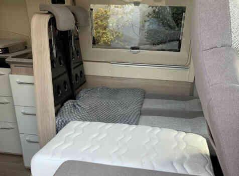 camping-car RAPIDO V62  intérieur / autre couchage