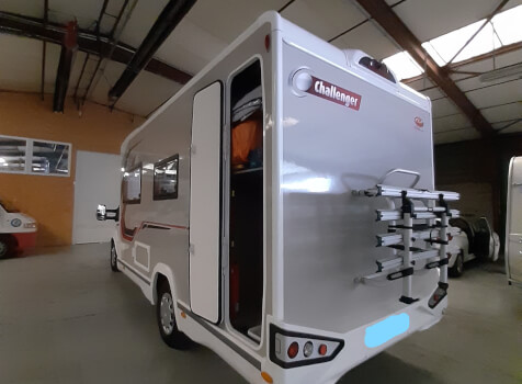 camping-car CHALLENGER 260 GRAPHITE EDITION BOITE AUTO  extérieur / latéral droit