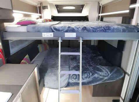 camping-car CHALLENGER 260 GRAPHITE EDITION BOITE AUTO  intérieur / soute