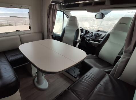 camping-car CHALLENGER  396