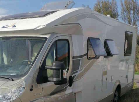 camping-car RIVIERA  extérieur