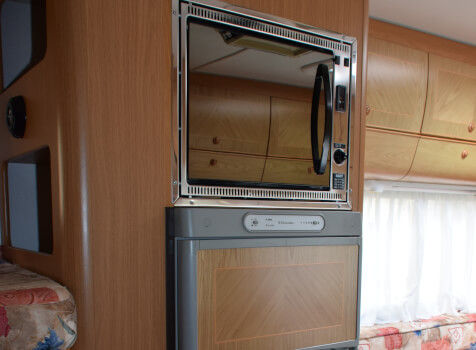 camping-car MOBILVETTA ICARO S10  intérieur