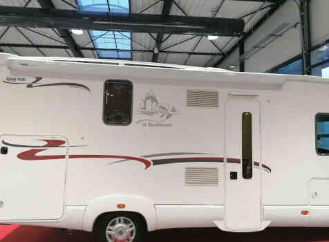 camping-car RAPIDO 983F  extérieur /