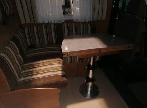 camping-car RAPIDO 983F  intérieur