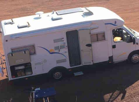 camping-car TRIGANO RIVIERA  extérieur / arrière