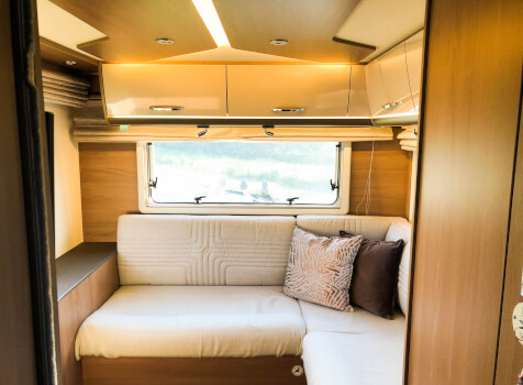 camping-car BURSTNER LYSEO TD 744 SLD  intérieur