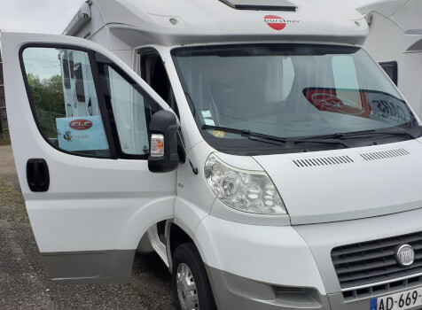 camping-car BURSTNER SOLANO T 690  extérieur