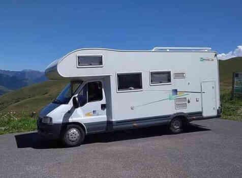 camping-car CHAUSSON WELCOME 17  extérieur / latéral