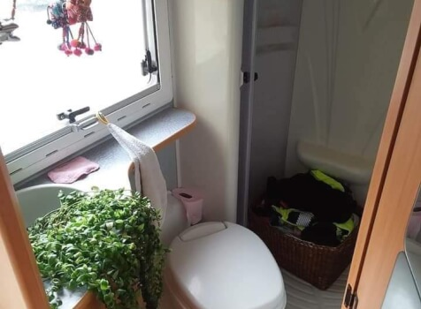 camping-car CHAUSSON WELCOME 17  intérieur /