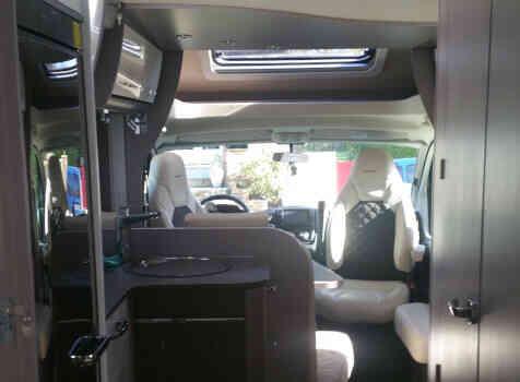 camping-car BURSTNER LYSEO PRIVILEGE TD 745  extérieur / latéral droit