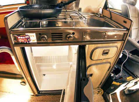 camping-car VOLKSWAGEN COMBI WESTFALIA T25 T3 AIRCOOLED 5 PLACES  intérieur / coin salon