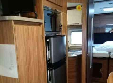 camping-car ITINEO  MJB 740  intérieur