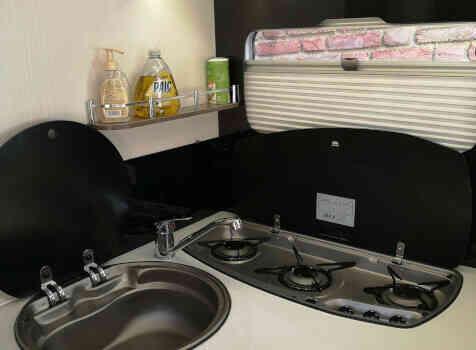 camping-car BAVARIA I741C  intérieur