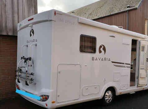 camping-car BAVARIA I741C  extérieur / arrière
