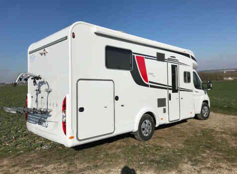camping-car BURSTNER LYSEO IT 736  extérieur / arrière