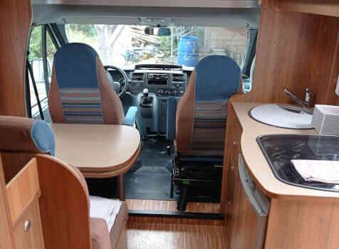 camping-car BURSTNER NEXXO T620  intérieur