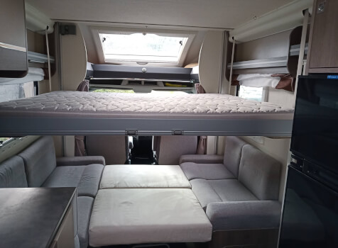 camping-car CHAUSSON TITANIUM 640  intérieur / autre couchage