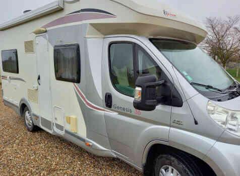 camping-car CHALLENGER GENESIS 36  extérieur / arrière
