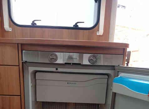 camping-car BURSTNER NEXXO T620  intérieur / soute