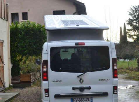 camping-car RENAULT TRAFIC  intérieur / coin salon