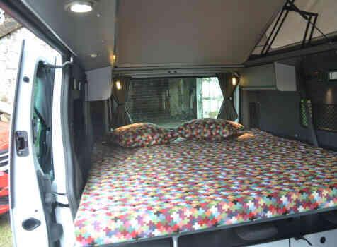 camping-car RENAULT TRAFIC  intérieur / autre couchage