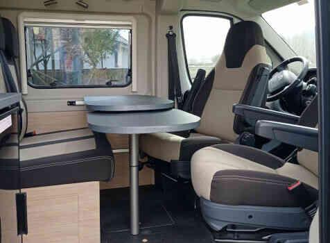 camping-car POSSL ROADCAR  R601  intérieur