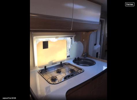 camping-car SUNLIHT  A72  intérieur