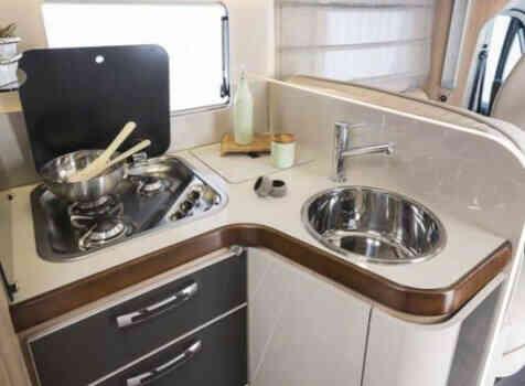 camping-car  ADRIA  SINFONIA 65 XT  intérieur /