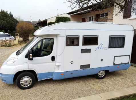 camping-car BURSTNER MARANO  extérieur / latéral