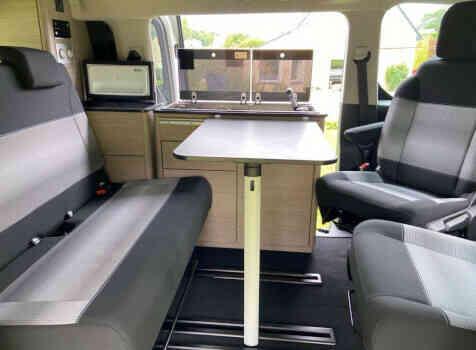 camping-car POSSL CAMPSTER  intérieur / coin salon